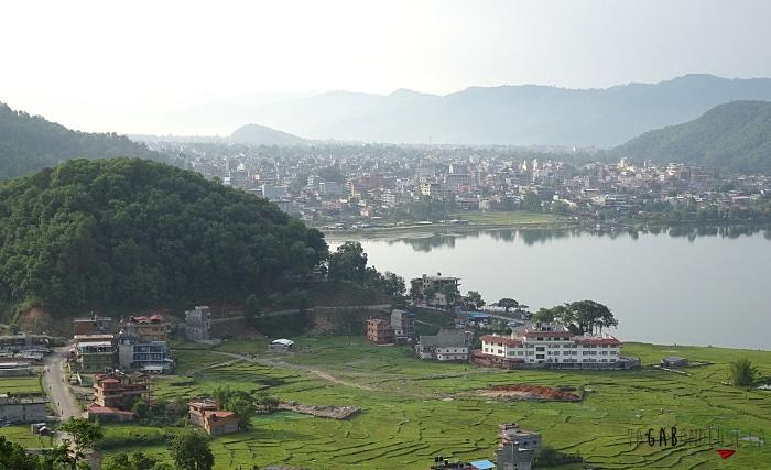 retraite de yoga et méditation à Pokhara au Népal vue du ashram