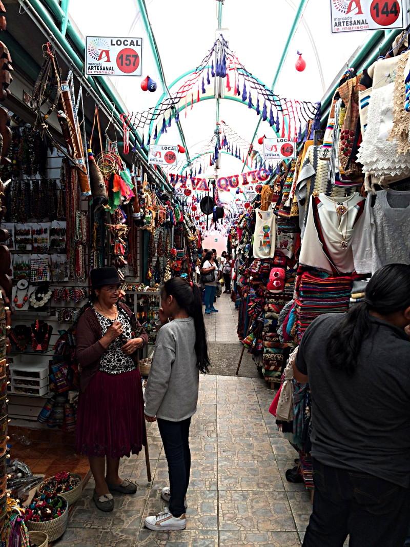 itinéraire en équateur marché artisanal de Quito