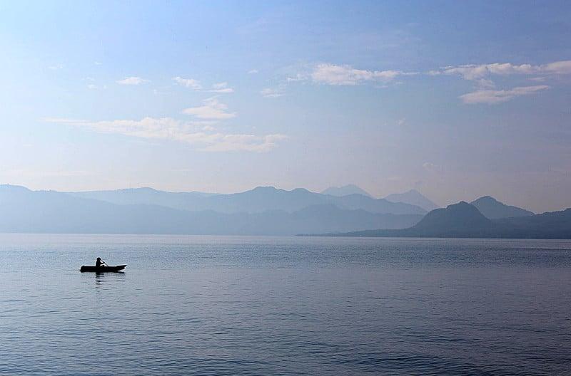 lac Atitlán Santiago la laguna